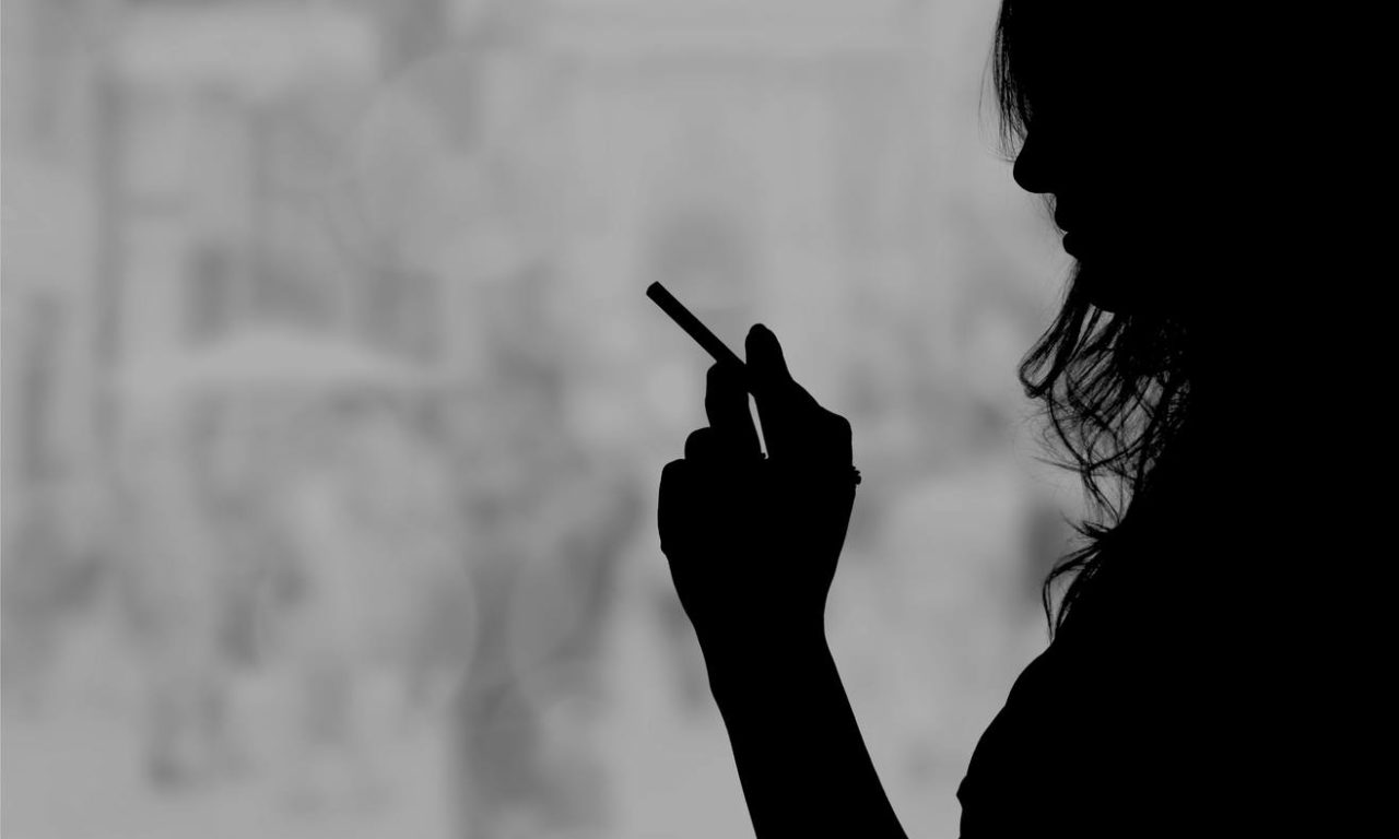 Letras con olor a tabaco y alcohol